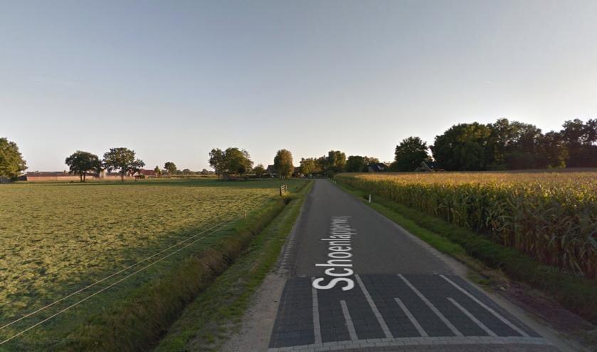 De Schoenlapperweg in Nijkerk gezien vanaf de Nieuwe Voorthuizerweg.
