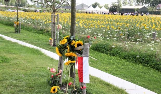 <p>De gedenkplek voor de slachtoffers van de ramp, in Vijfhuizen.</p>