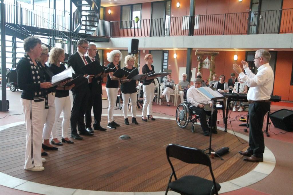 Het ensemble onder leiding van Bram van der Mark Hannie van de Veen © BDU media