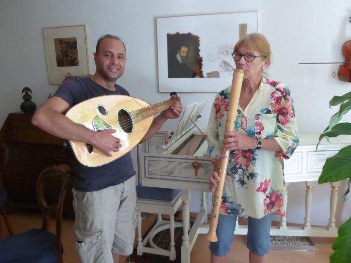 Mohamad Alhassan en Marlies van der Klugt treden zondagmiddag 4 augustus samen met Mousa Noma op in Museum Nijkerk