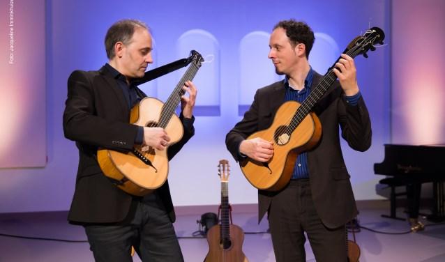 Fernando Cordas en Izhar Elias spelen het beroemde Adagio uit Rodrigo's 'Concierto de Aranjuez'.