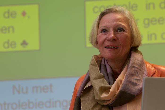 Barbara Kingma bridge docent