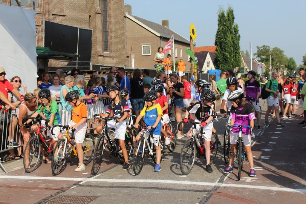 Start van de puntenkoers Tour de Schalkwijk © BDU media