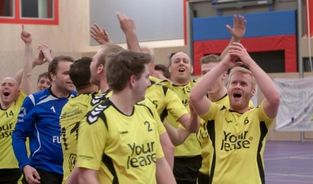 HV Eemland was een wedstrijd voor het einde van de competitie al kampioen en promoveerde daardoor naar de eerste divisie.