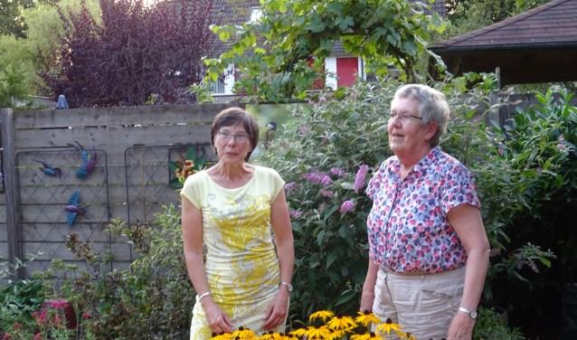 Ria Meijer-Koppenol en Leni Kooi waren volop betrokken bij de Wereldwinkel in Doorn.