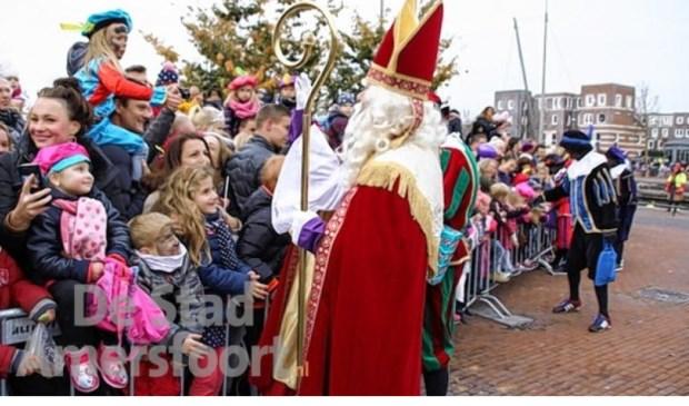 Intocht van Sinterklaas aan de Eemhaven in Amersfoort.