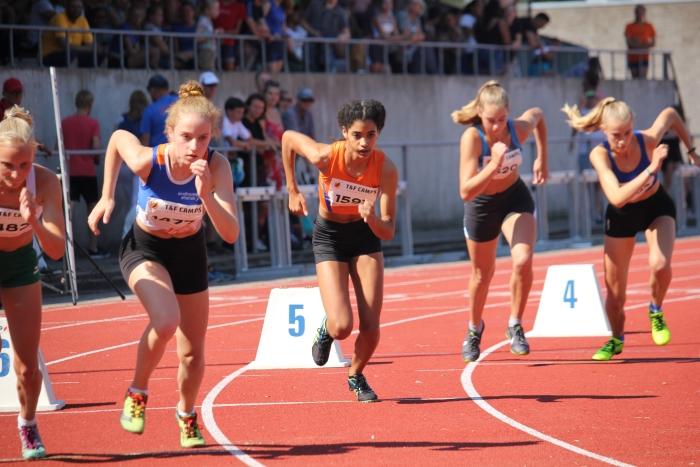 De start van de 800 meter Peter Navarro / Climax © BDU Media