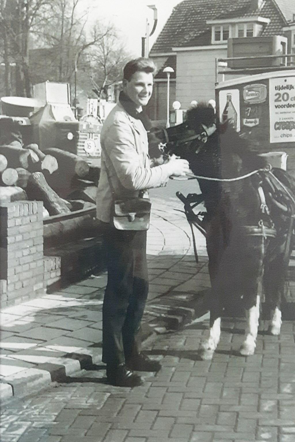 Met de pony voor de wagen Van Oosterom © BDU media