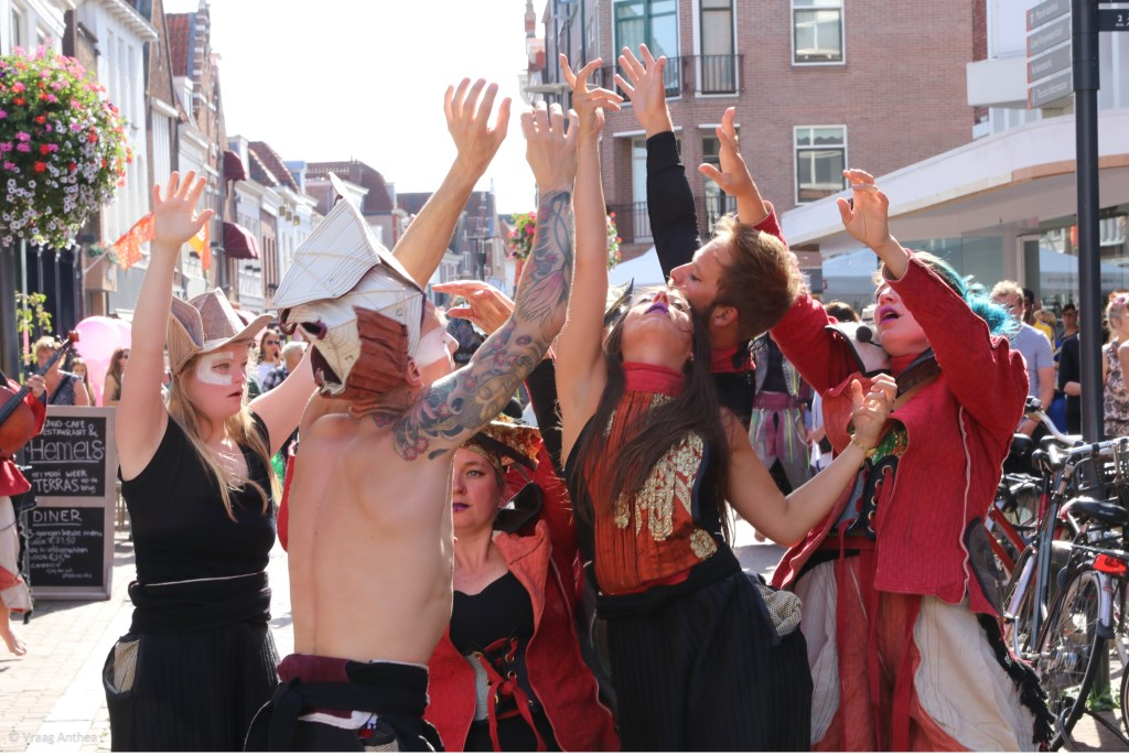 Misiconi Dance Company & OCEANALLOVER VraagAnthea © BDU media