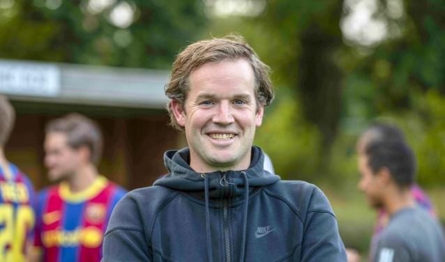 Coach Bastiaan Bunnik aan de slag met een behoorlijk vernieuwde hockey selectie.