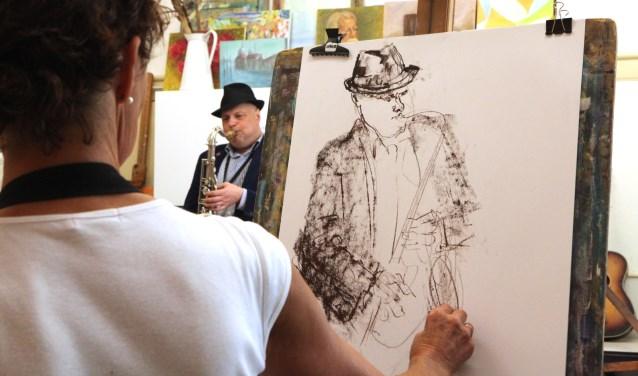 Tijdens de open dag is het weer mogelijk om een muzikant te tekenen.