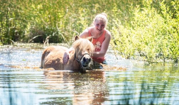 De winnares van vorig jaar: Ilse Wanner en pony Dribbel In Leusden in Den Treek.
