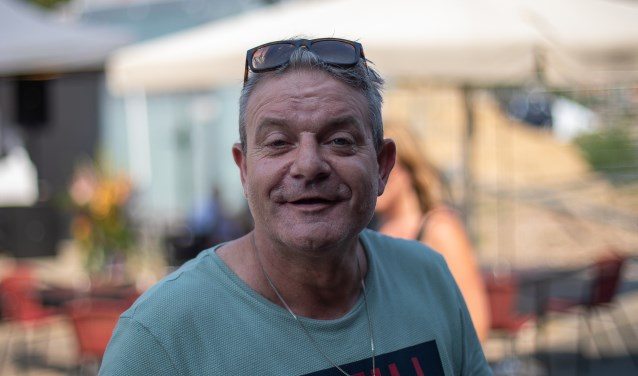 D.J Richard Stap op de gezellige braderie op de Parkweg bij Café de Slok. Theo Beumer © BDU Media