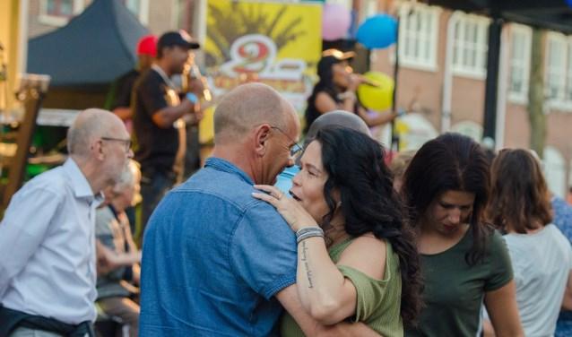 Vanuit het hele land komen dansers naar Nijkerk voor de workshops en het dansfeest van Salsa es la Vida.