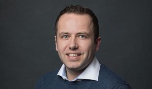 <p>Raadslid Niels van Santen (VVD) vraagt het college om een alternatieve lichtshow tijdens de jaarwisseling</p>