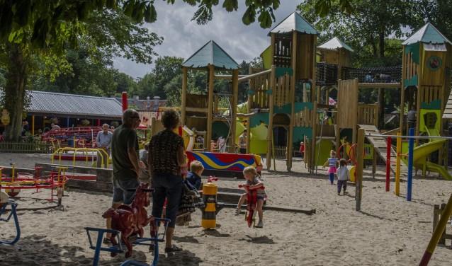 Een bezoekje aan de speeltuin blijft leuk voor jong en oud
