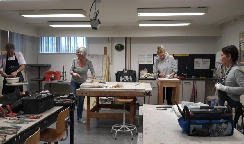 KC 'de Brink' houdt een Open Huis om kennis te laten maken met het aanbod aan cursussen en workshops.