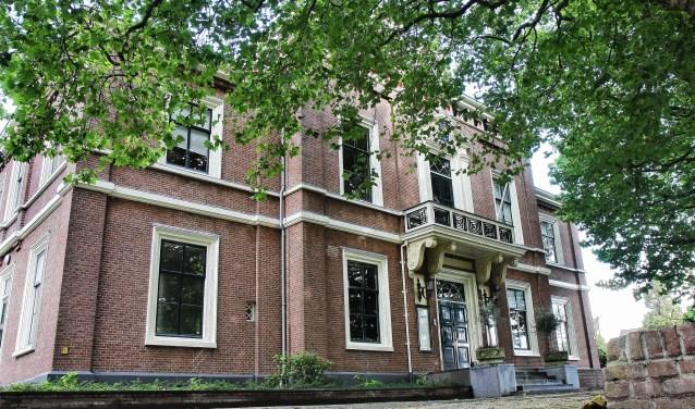 Het Oude Raadhuis is een van de genomineerde monumenten.