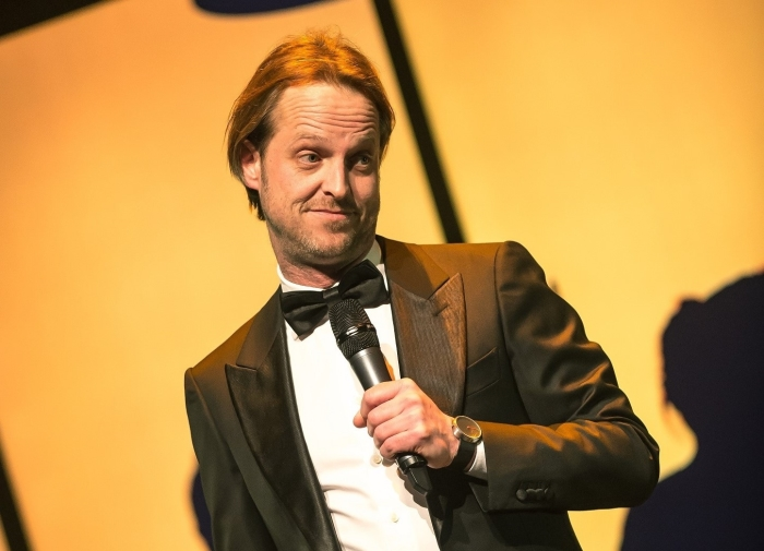 Comedian Bas Birker, headliner van de avond