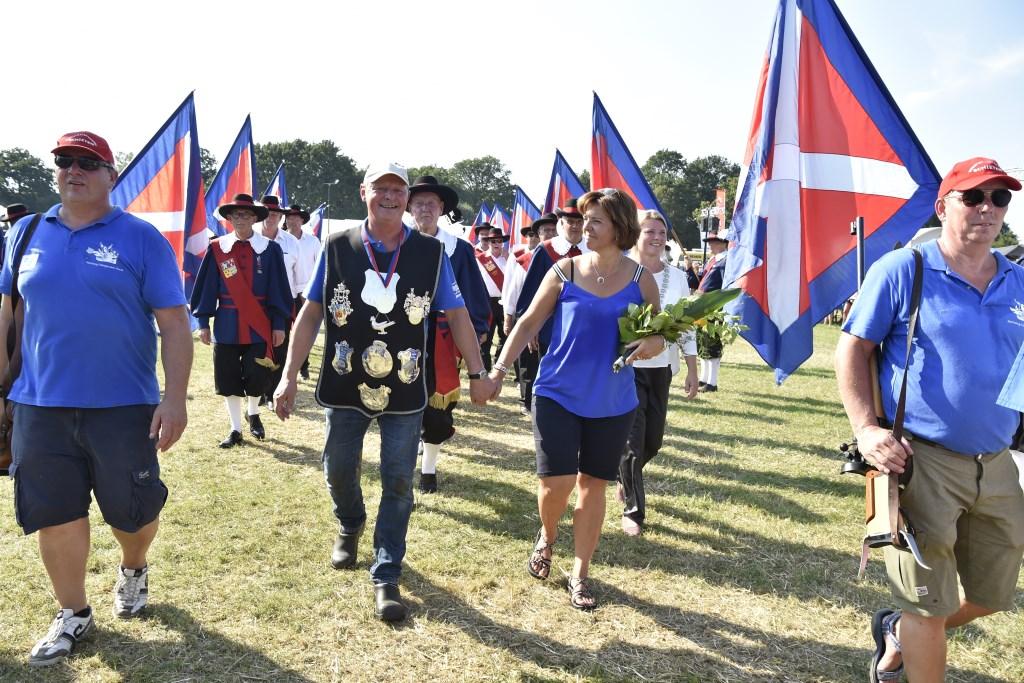 Even daarna dezelfde middag: middelpunt van een indrukwekkende ceremonie. Jaap van den Broek © BDU media