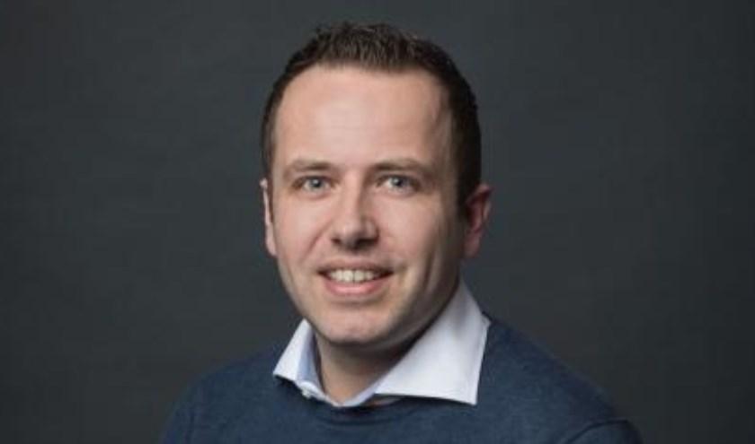 Raadslid Niels van Santen (VVD) is verbaasd over het mogelijk verplaatsen van bloedbank Sanquin.