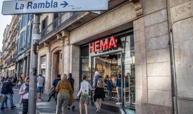 Ook in het buitenland, zoals hier n Spanje, gaat HEMA gewoon door met haar plannen