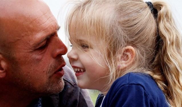 Scherpenzeel steunt massaal de crowdfundingsactie voor de familie van de verongelukte vader en zijn 4-jarige dochter.
