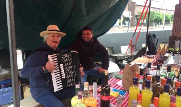 Het 'ciao bella' van deze meneer met accordeon maakte de dag een beetje zonniger.