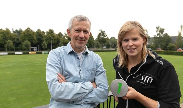 Buurtsportcoach Lisanne Huijzendveld en Jaap Hengeveld zijn de initiatiefnemers van het nieuwe beweegrondje Soesterkwartier.