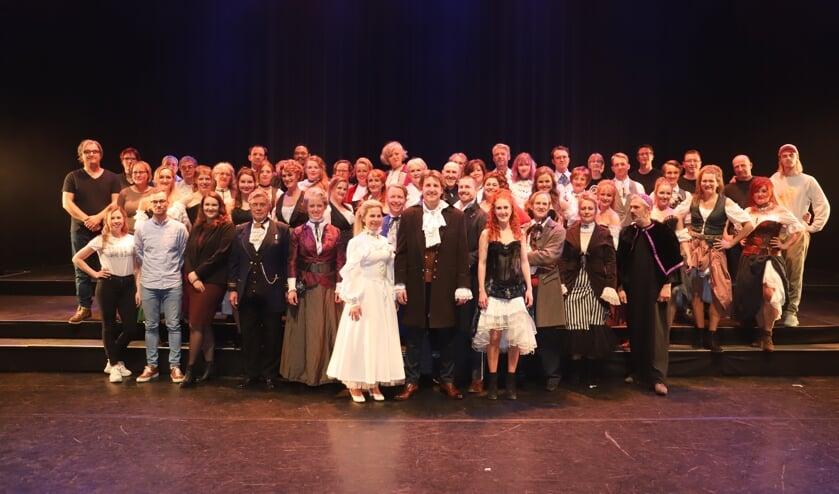 Musicavereniging OVA bij opvoering van Jeckyll & Hyde in Schuwburg Amstelveen.