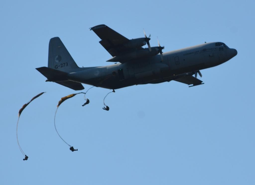 <p>Luchtlandingen tijdens de Airborne-herdenking in 2019.</p>