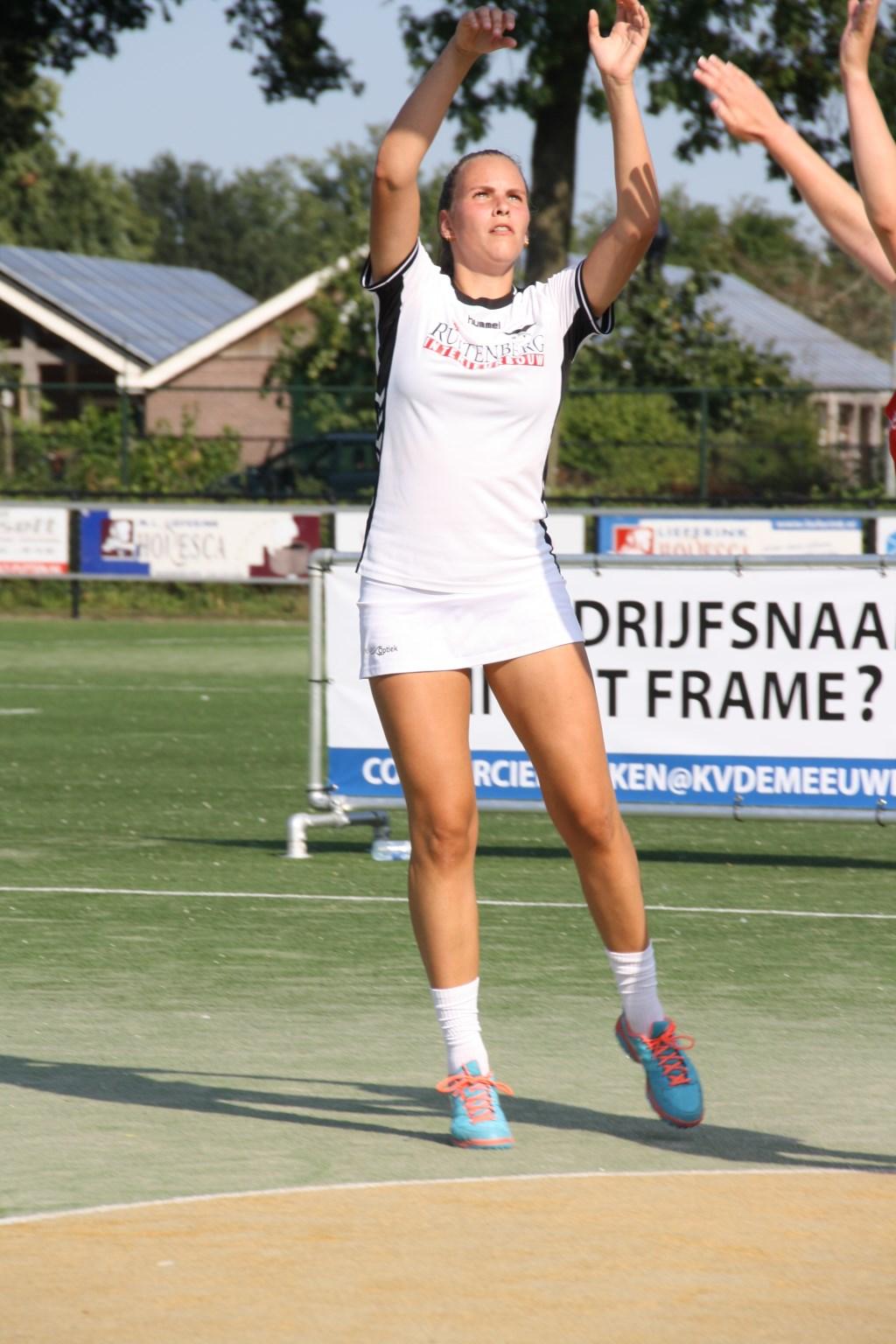 Dorinda Kleijer heeft dit seizoen opnieuw een plekje veroverd in De Meeuwen 1. Petra Grootjans © BDU media