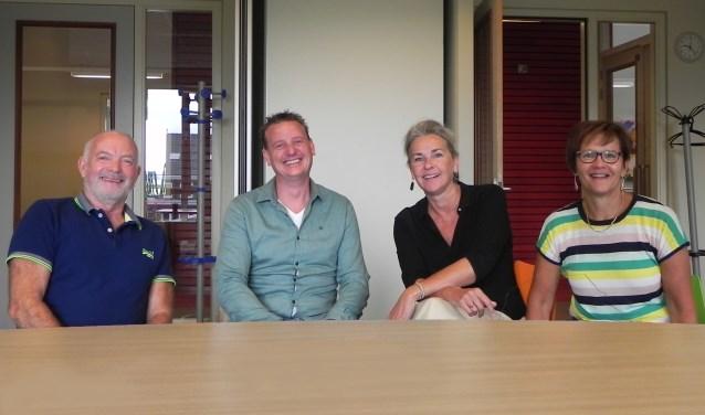 40 jaar directie ziet uit naar alle mooie ontmoetingen met (ex-)collega's en (ex-)leerlingen. v.l.n.r: Wijbe Douma, Martijn van Kooten, Marjolein de Jongh en Corine Flapper