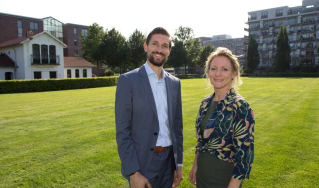 Wethouder Eelke Kraaijeveld en Marije Buursink, directeur-bestuurder van Poort6.