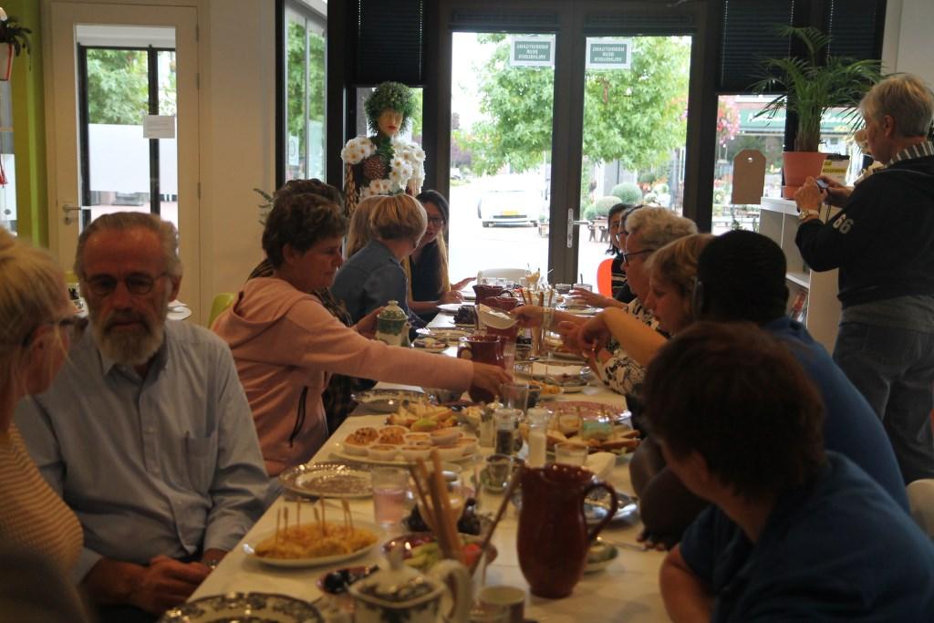 Een feestelijk en jubilerend LunchCultuurtje. Hannie van de Veen © BDU media