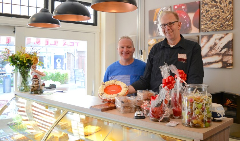 Marco en Richard Velzing-Westerink van VW Vlaaienwinkel: ,,Maar ze zijn allemaal lekker.''