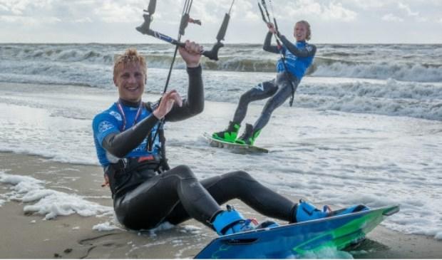 Deelnemers Sem Kluiver en Jop Marchand bij de finish in 2017.