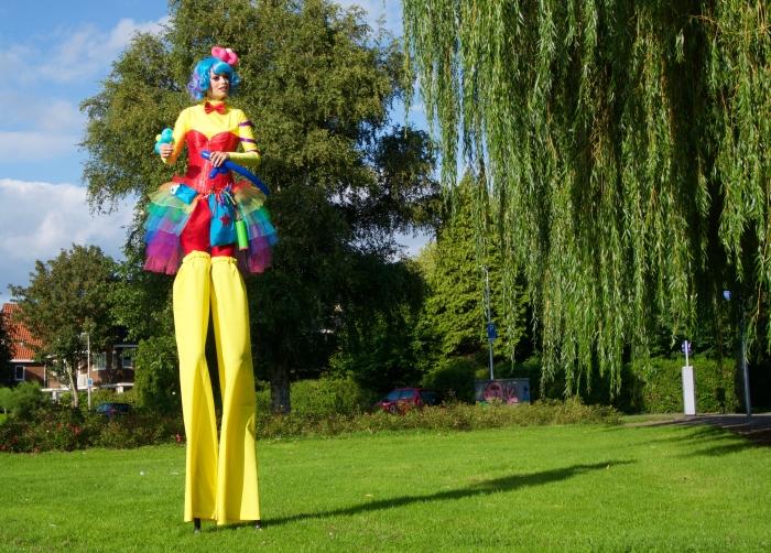 Suzanne van der Hoorn als ballonnendame