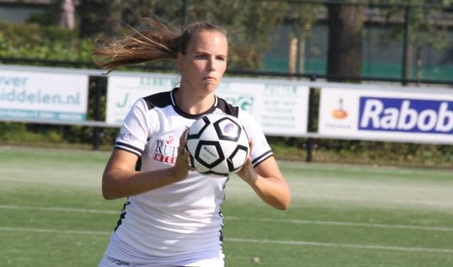 Dorinda Kleijer heeft dit seizoen opnieuw een plekje veroverd in De Meeuwen 1.