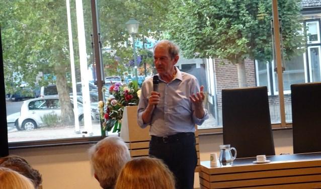 Pieterjan van Delden geeft als speaker de aftrap tijdens deze informatieve bijeenkomst.