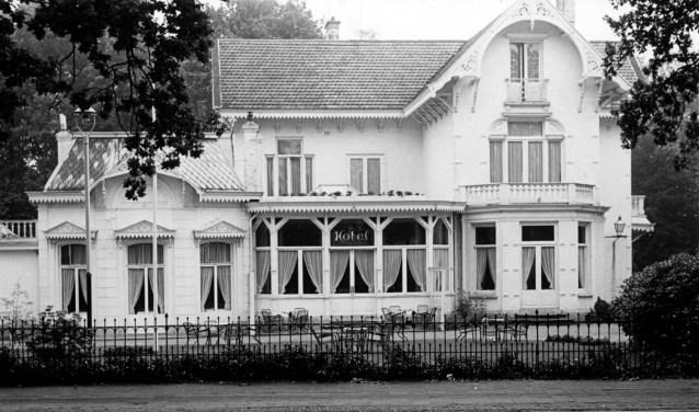 Het Oranje Hotel is een van de verdwenen panden die ter sprake en in beeld komen op dinsdag 24 september.