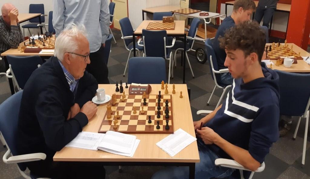 Jaap van Donkelaar (links) zag tegen Stan de Bruin zijn routine doorslaan. Martin Markering © BDU Media