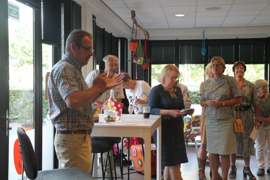 Sietse Hoogenberg tijdens zijn toespraak op de Housewarmingbijeenkomst. Hannie van de Veen © BDU media