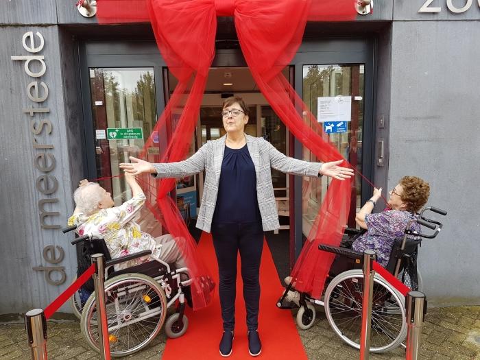 Wethouder Mieke Booij opende de feestweek samen met de bewoners