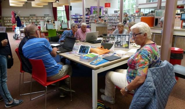 Seniorweb presenteert de mogelijkheden voor het nieuwe seizoen in de bibliotheek.