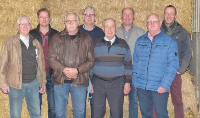 Alle voorzitters uit deze vijftig jaar, van links naar rechs: Jaap Rijlaarsdam, Ben Apeldoorn, Harm Reitsma, Gert van Ginkel, Tijmen Westeneng, Wim Wolswinkel, Gert Vink en Kees van Ravenhorst. Op de foto ontbreekt Gert van Maanen.