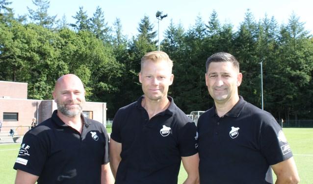 Van links naar rechts het technische trio  Pascal Kamerbeek, Timo Timmer en Rob van Gardingen. Met versterkingen wil Hees hoge ogen gaan gooien.
