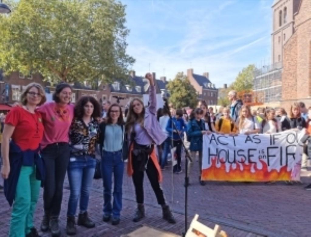 De jongeren bij hun start in Wageningen De Klimaatstaking © BDU media