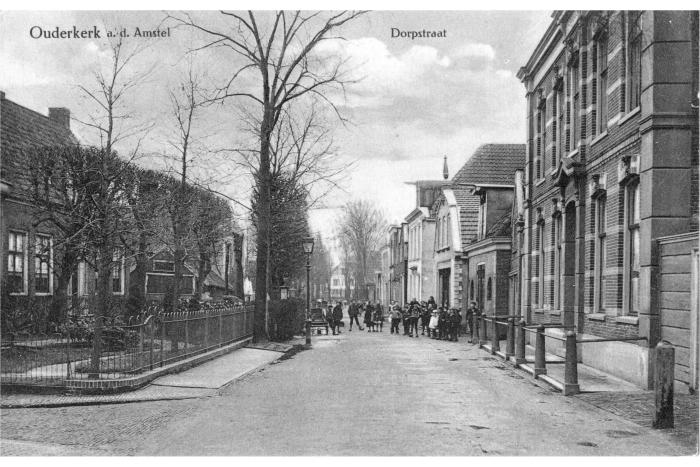 Dorpsstraat 100 jaar geleden