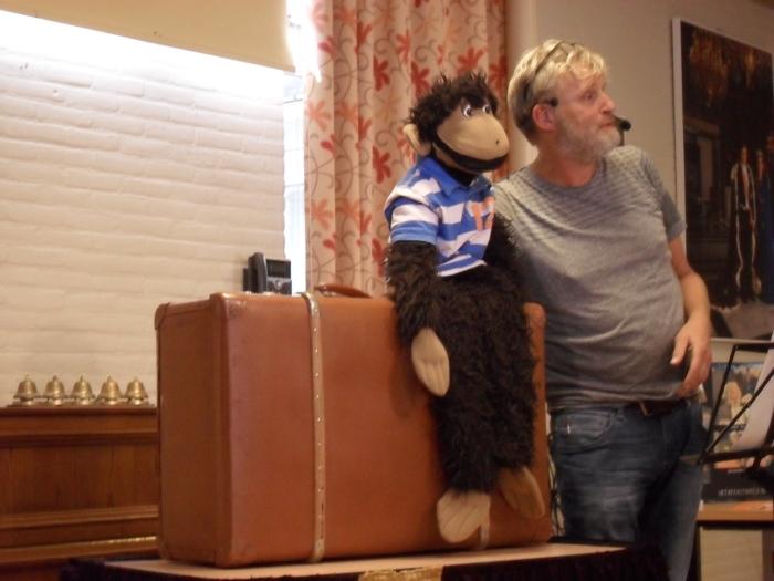 De aap met het apenstaartje uit de koffer Agnes Snel © BDU